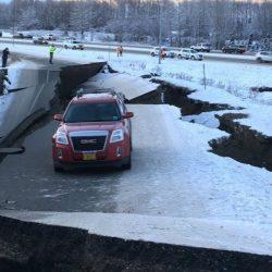 Terremoto de 7.8 sacude a Alaska