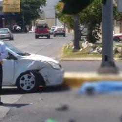 Motociclista choca contra vehículo oficial y muere