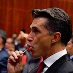 """Sergio Mayer se cree el """"vengador de la farándula""""…"""
