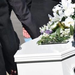Padre e hijo mueren de coronavirus tras ser hospitalizados el mismo día