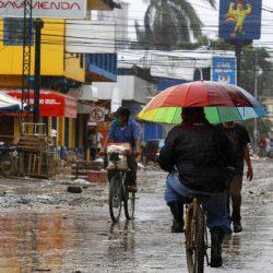 Huracán 'Iota' se degrada a categoría 1; vientos dejarán afectaciones en México
