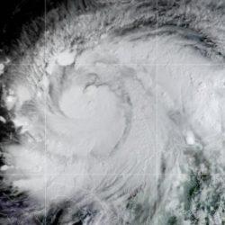 Huracán 'Iota' se acerca a categoría 5; amenaza Centroamérica