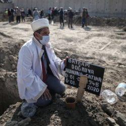 Asciende a 60 el número de muertos por terremoto en Turquía