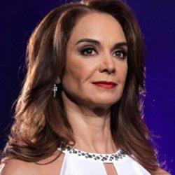Lupita Jones va por gubernatura de Baja California