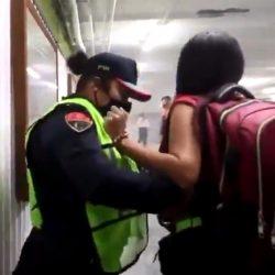 Suspenden a policías de CDMX que retuvieron a mujeres en Metro Hidalgo