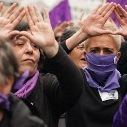 Feministas marchan del Monumento a la Revolución al Zócalo