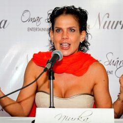 Niurka responde a críticas por mostrar senos en TV nacional