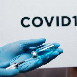 ¿Cuándo vacunarían contra COVID-19 a los jóvenes de entre 18 a 29 años?