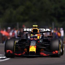 'Checo' Pérez termina penúltimo en el GP de Silverstone